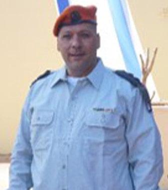 Lt. Col. (Res.) Ariel Almog, specialinuniform