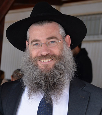 Rabbi Mendi Belintzky, specialinuniform