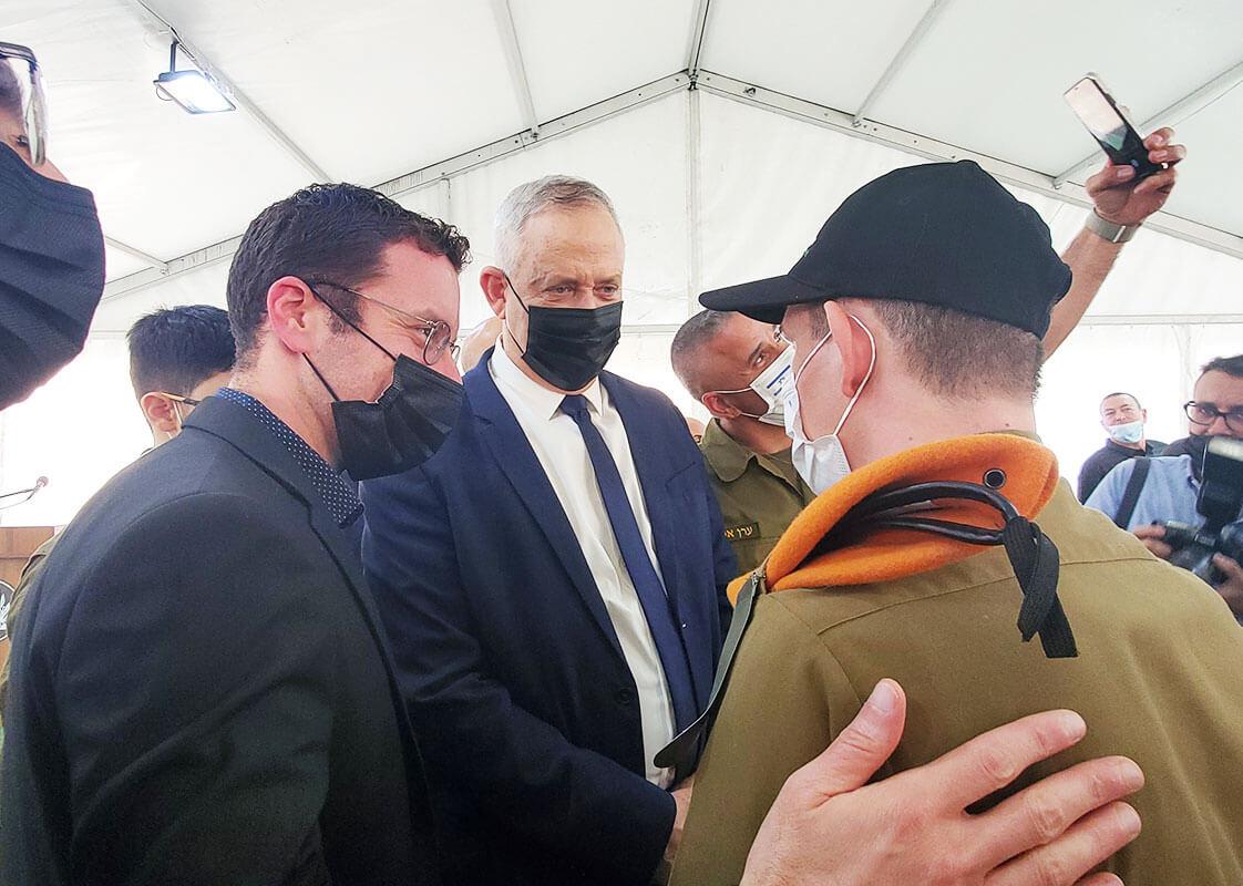 Bnei Gantz With soldiers of specialinuniform